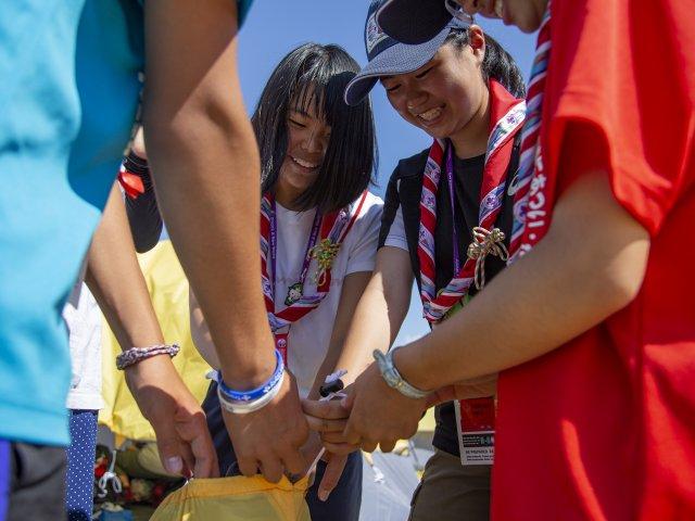 Scouts Completing Team Work Challenge Duke of Edinburgh Peak Award